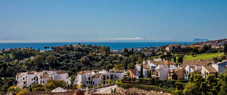 Sea views from new apartments Botanic, Benahavis