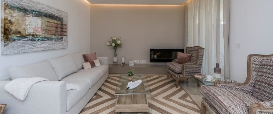 Luminous living room in Botanic homes