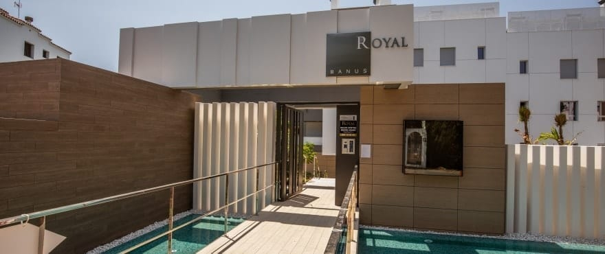 Entrance of Royal Banus, new apartments for sale